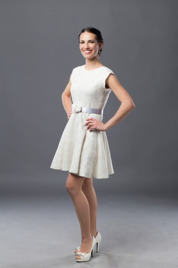 Felt short wedding dress