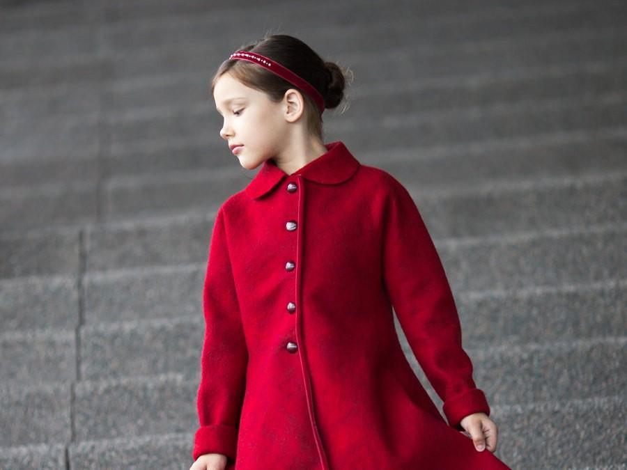 Red wool coat | red felted coat | wool coat | felt fall coat for girls | fall coat | fall fashion | princess coat | Christmas coat