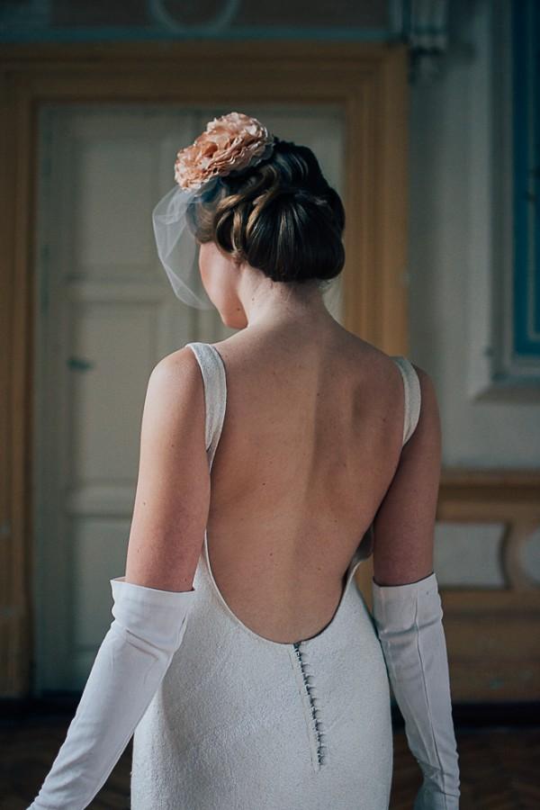 Suknelė atvira nugara